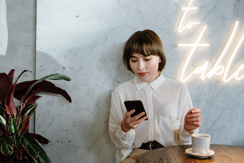 Cafe order smartphone digital menu